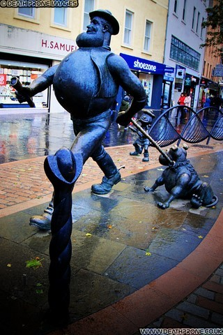 Desperate Dan And Dawg statue in Dundee, Scotland