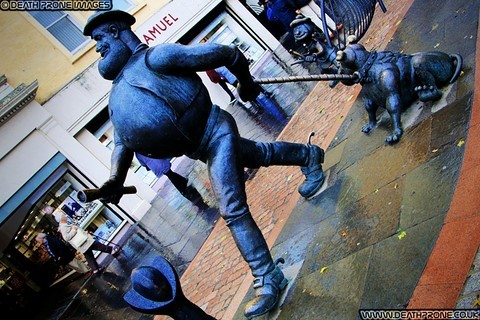 Desperate Dan, Dawg And Minnie The Minx statue in Dundee, Scotland